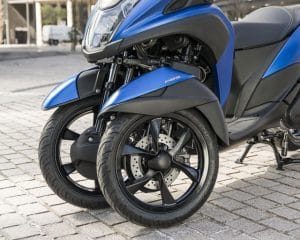 Yamaha-Scooter-Tricity-155-MW150A-Three-Wheels.jpg